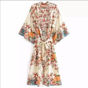 •Now Inr•Sea The Sun In Blooms Print Kimono